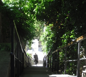 Les escaliers des capucins Une des descentes de la Ville Hautre
